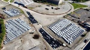 Instalado em uma área de 54.086 m2, o terminal tem capacidade para armazenamento de até 1.600 carros. Primeiro contrato já foi assinado