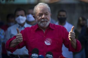 O ministro concedeu habeas corpus para declarar a incompetência da Justiça Federal de Curitiba em processos que envolvem o ex-presidente