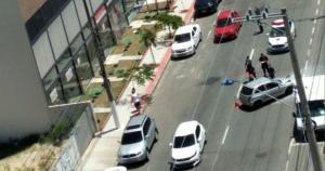 Vítima foi retirada das ferragens e encaminhada para o Hospital Estadual de Urgência e Emergência (HEUE)