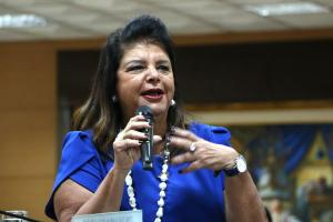Lançamento do livro sobre a vida da empresária, dona do Magazine Luiza, está previsto para novembro