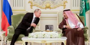 Saudi Arabia, Russia to Debate Oil Cuts Amid Price War
