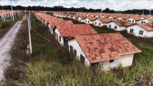 Obras de cinco empreendimentos da Faixa 1 do programa habitacional estão paradas no Estado. Retomada poderia beneficiar quase 3 mil famílias e gerar 9 mil empregos diretos e indiretos