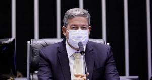 Na segunda-feira (08) Lira e o presidente do Senado, Rodrigo Pacheco, discutiram com os governadores brasileiros uma estratégia de enfrentamento ao recrudescimento da Covid-19 no país