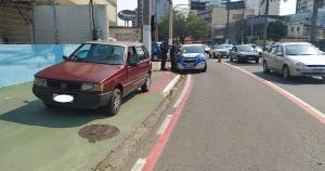 O veículo possuía restrição de furto e roubo e foi identificado pelo cerco tático após entrar na Capital pelas Cinco Pontes, no início da tarde deste domingo (19)