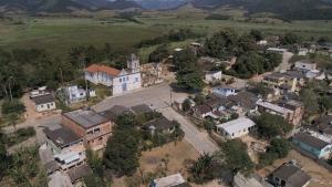 A equipe do Em Movimento, da TV Gazeta, visitou a comunidade de Araçatiba para conhecer a misteriosa história
