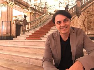 Coreógrafo de renome da dança, gaúcho foi convidado para comandar a comissão de frente da MUG e apresentou arrojado projeto à escola de Vila Velha