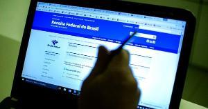 Os MEI (Microempreendedores Individuais) que estão devendo impostos poderão regularizar suas dívidas até o dia 31 deste mês, para não entrarem para o cadastro de Dívida Ativa da União