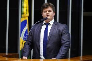 Parlamentar começou a apresentar sintomas na última segunda-feira (26); diagnóstico foi confirmado pela assessoria de Rigoni nesta quinta (29)