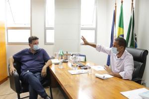 Euclério Sampaio (DEM), que vai assumir a prefeitura em janeiro, se reuniu com o atual prefeito Juninho (Cidadania) nesta segunda-feira e apontou Gilson Daniel (Podemos) como coordenador da equipe de transição