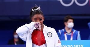 Atleta americana desistiu de competir a final individual da modalidade na qual defenderia o título. Profissionais de saúde explicam a importância de cuidar da saúde mental e de procurar ajuda quando necessário