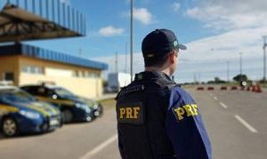 O caso aconteceu no km 57 da rodovia federal, onde o motorista, que conduzia uma caminhonete, foi abordado pelos agentes no município ao Norte do Estado
