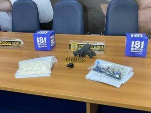 A Polícia Civil confirmou a autoria do suspeito de 21 anos em 4 homicídios e ainda investiga a participação dele em outros 5 crimes