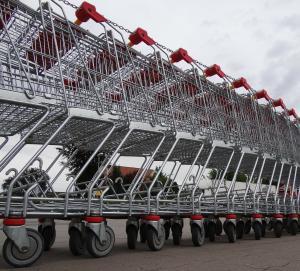 Supermercados e shoppings vão funcionar em horário especial e os bancos não vão abrir na próxima segunda-feira (2), Dia de Finados. Também não haverá expediente nas repartições públicas estaduais e da Grande Vitória