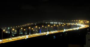 Apesar do vento forte, o tráfego na ponte não precisou ser interrompido. Ventania registrada em municípios da Grande Vitória deixou parte de alguns bairros sem energia