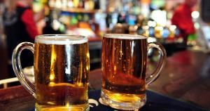 Executivo da empresa se reuniu nesta quarta (28) com prefeito; ideia é que o município produza matéria-prima para a bebida