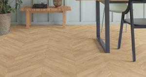 Na limpeza semanal você pode utilizar um limpador específico para piso laminado