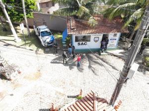 A operação ocorreu após a morte do inspetor penitenciário Rodrigo Figueiredo da Rosa, que foi baleado em uma tentativa de assalto no local. A meta da PM é traçar estratégias que possam prevenir e reprimir ações ilícitas na região