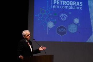 Salário pago pela Petrobras ao seu ex-presidente Roberto Castello Branco foi destaque após fala de Jair Bolsonaro