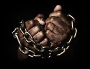 Que a lição de bravura dos que lutaram contra um regime marcado pela crueldade nos estimule a seguir em frente e fazer do próximo ano o melhor de nossas vidas