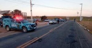 Davi Marvila, de 34 anos, dirigia um Chevrolet Corsa Sedan e bateu na lateral de um caminhão carregado de cana-de-açúcar por volta das 6h, na altura de Marobá
