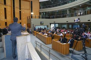 Proposta sendo articulada no atual plenário da Assembleia para permitir antecipar a eleição da Mesa Diretora lembra uma emenda aprovada em 2000, quando a Casa era presidida por José Carlos Gratz