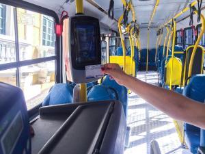 A partir de 0h de segunda-feira, os 130 ônibus 'verdinhos' que circulam nos bairros de Vitória passarão a fazer parte do Sistema Transcol