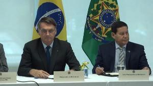 """O que vi na reunião ministerial foi um ajuntamento de """"coleguinhas"""" no churrasco 'pós-pelada', falando besteiras típicas. Bolsonaro foi eleito sem pauta e falando palavrões. Então, realizou uma reunião """"sem pauta"""" e """"falando palavrões"""""""