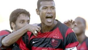 O ex-zagueiro também é presença confirmada em um jogo beneficente em Castelo, Região Sul do Estado, no domingo (31)