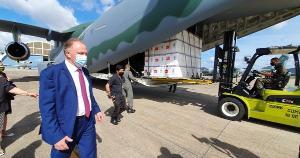 Doses da Coronavac foram enviadas ao Estado de avião no final da tarde desta segunda-feira (18). Assista à transmissão ao vivo