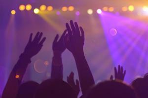 Medida provisória n° 1.036, focada em cultura e turismo, coloca o dia 31 de dezembro de 2022 como prazo final para a realização de um novo evento ou serviço e uso de créditos devidos