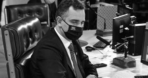 Comissões de inquérito são instrumento cívico de fiscalização do Poder Executivo e exigem lisura. Assim como o vírus, ações e omissões do poder público também matam