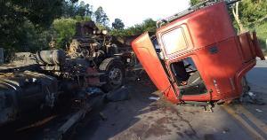 A ocorrência foi na rodovia ES 257 e deixou o motorista ferido, na tarde desta segunda-feira (10). O trânsito ficou em meia pista por aproximadamente duas horas, sendo liberado por volta de 18h