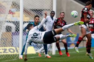 Flamengo e Botafogo se enfrentam neste sábado (05). Vasco encara o Grêmio no domingo (06). Saiba onde vai passar o jogo que você não pode perder