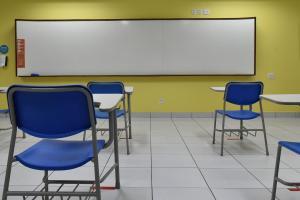 Duas escolas da rede particular, em Vitória, e uma unidade municipal da Serra confirmaram a suspensão das aulas presenciais em algumas turmas após alunos testarem positivo para Covid-19