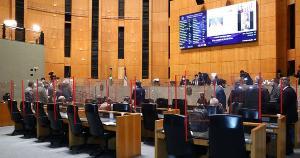 Opositores tentam conquistar mais quatro assinaturas e apostam no apoio de Erick Musso, que precisa dar aval para criação da comissão. Governo teve vitória parcial na segunda-feira