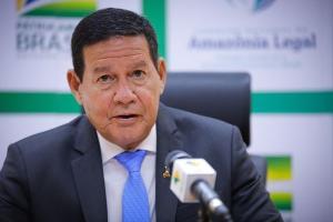 Mourão também informou que a Operação Verde Brasil, que levou agentes das Forças Armadas para região da Amazônia Legal, tem previsão de ser encerrada no próximo 30 de abril
