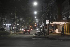 Decreto estadual proíbe o funcionamento de bares na capital do Espírito Santo. Já restaurantes só podem abrir até as 18 horas