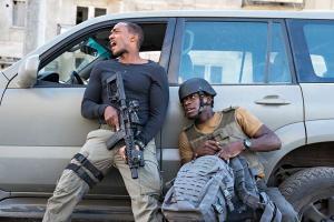 Estrelado por Anthony Mackie, o Falcão da Marvel, 'Zona de Combate' chega à Netflix misturando ação e ficção científica com roteiro e direção que nunca engrenam
