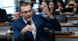 Em negociações para troca de partido, o parlamentar diz que 'se for necessário' concorrer para que a população tenha uma opção progressista, 'como um bom soldado', será candidato