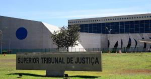 Com receio de buscas e até prisão, eles tentam barrar uma investigação aberta pelo tribunal