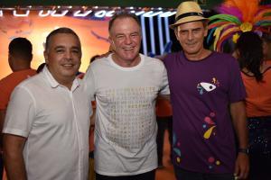 O governador Renato Casagrande visitou o espaço da Rede Gazeta na noite dos desfiles do Grupo Especial