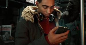 Jogos de celular como 'Free Fire' conquistam classes C, D e E, mas seus personagens são em grande parte brancos