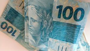Governo federal antecipou o calendário de pagamentos e saques do benefício; nascidos em janeiro serão os primeiros a receber