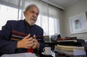 A decisão é do relator do caso no Superior Tribunal de Justiça, ministro Felix Fischer; o motivo da suspensão não foi informado