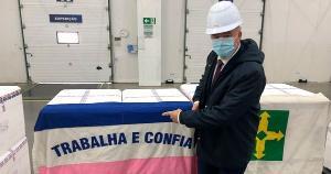 O ministro da Saúde, Eduardo Pazuello, autorizou os Estados a iniciarem a vacinação no final da tarde. Em seu perfil no Twitter, governador do Espírito Santo afirmou que o Estado vai começar a vacinar contra a Covid-19 nesta segunda-feira (18)