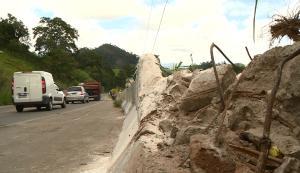 Pessoas que trabalham às margens da ES 164 e motoristas que utilizam a rodovia pedem que o governo implante uma área de escape no trecho