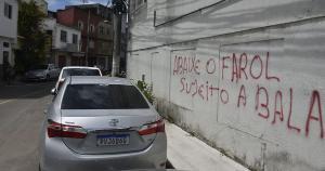 Algumas ações, como pintar um muro pichado por criminosos, são de grande simbolismo e importância na guerra contra a criminalidade
