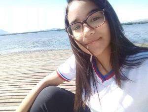 Ana Luiza Lopes, de 14 anos, deixou a residência nesta quarta-feira (23) e não foi mais vista por amigos e familiares até a noite desta quinta (24). Ela foi encontrada em Cariacica
