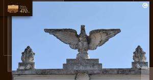 Excesso de ornamentos e inserção de pórtico e escadaria fazem parte de um conjunto que mistura diversos estilos e marca o desenvolvimento do Espírito Santo