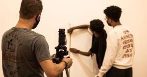 Coordenado e produzido por mulheres pretas, o projeto 'Erù-Iyá: Movimentos Antirracistas' será lançado às 16h desta sexta (16)